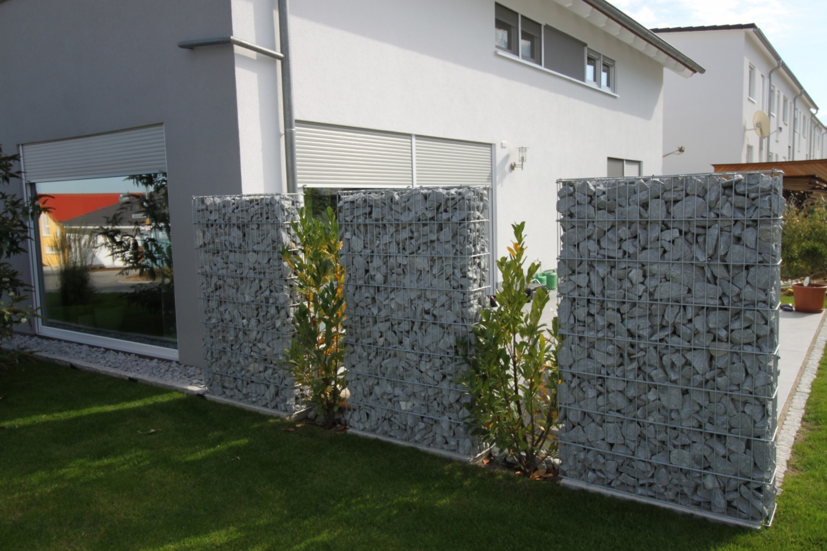 korbkultur gmbh co kg diverse steinzaunprojekte. Black Bedroom Furniture Sets. Home Design Ideas